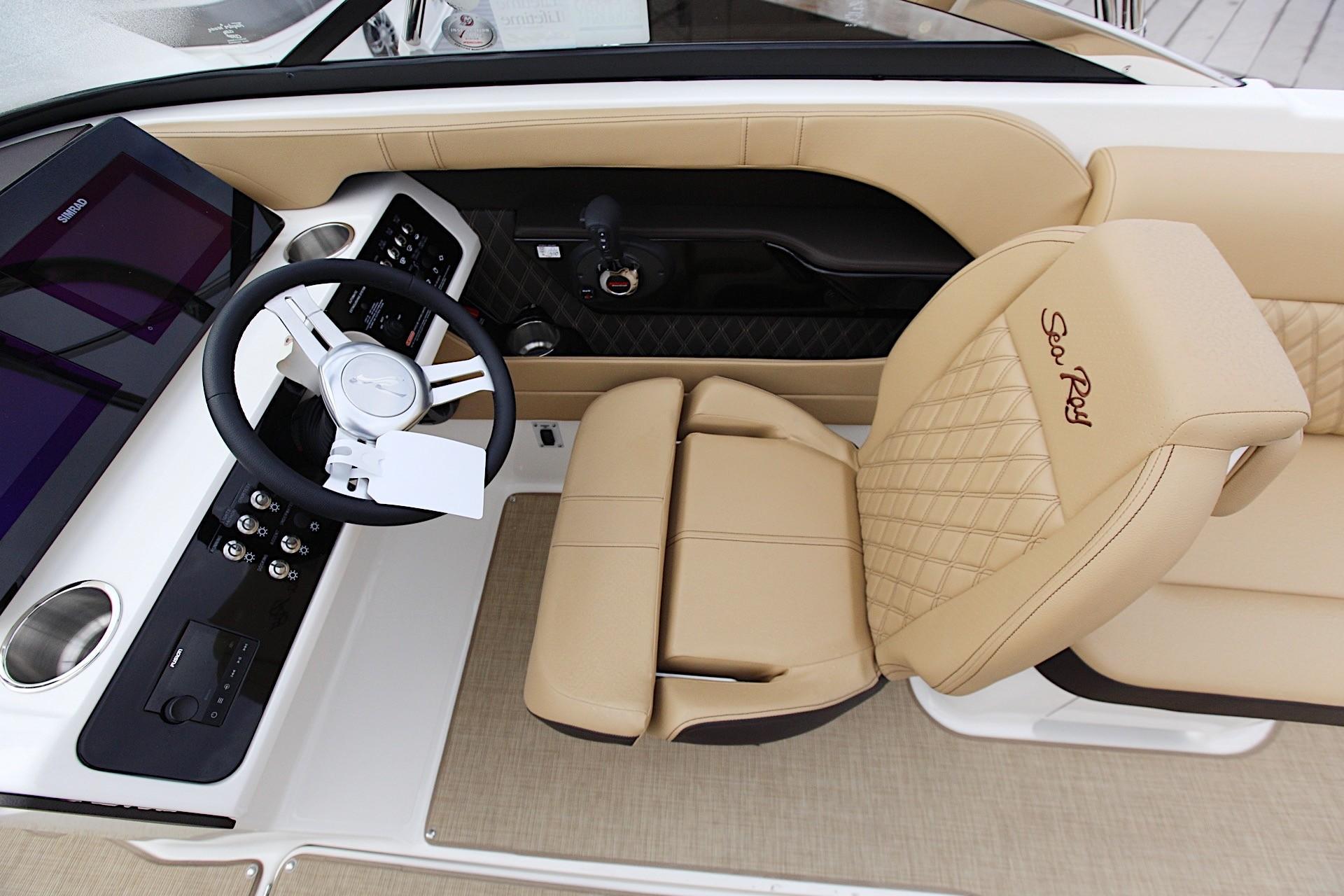 2020 Sea Ray SLX 230 #S1408I inventory image at Sun Country Coastal in Newport Beach