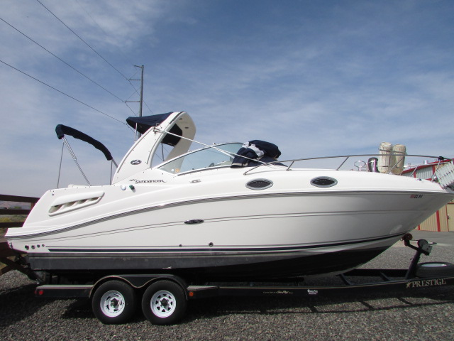 2007 Sea Ray boat for sale, model of the boat is 260 Sundancer & Image # 21 of 49