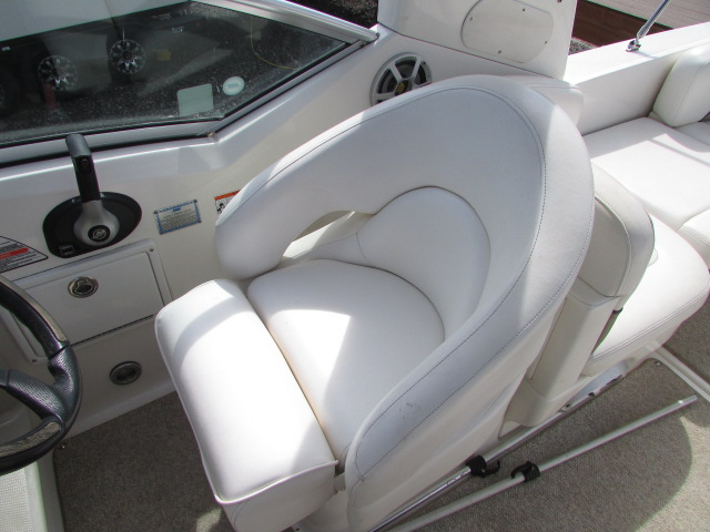 2007 Sea Ray boat for sale, model of the boat is 260 Sundancer & Image # 36 of 49