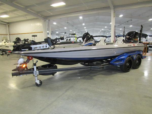 2021 Skeeter boat for sale, model of the boat is FXR20 Limited & Image # 6 of 48