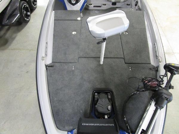 2021 Skeeter boat for sale, model of the boat is FXR20 Limited & Image # 12 of 48