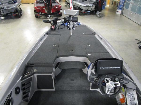 2021 Skeeter boat for sale, model of the boat is FXR20 Limited & Image # 24 of 48