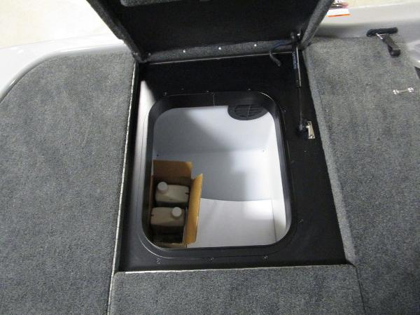 2021 Skeeter boat for sale, model of the boat is FXR20 Limited & Image # 34 of 48