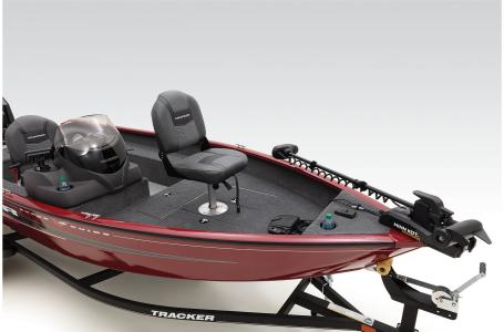 2021 Tracker Boats boat for sale, model of the boat is Super Guide V16 SC & Image # 8 of 34