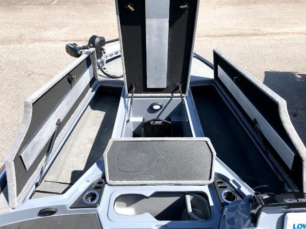 2021 Nitro boat for sale, model of the boat is Z20 & Image # 14 of 56