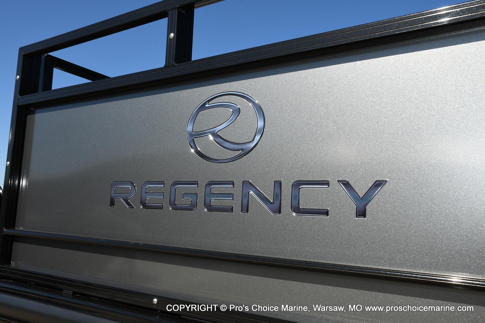 2021 Regency boat for sale, model of the boat is 250 DL3 w/250HP MERCURY VERADO & Image # 11 of 50