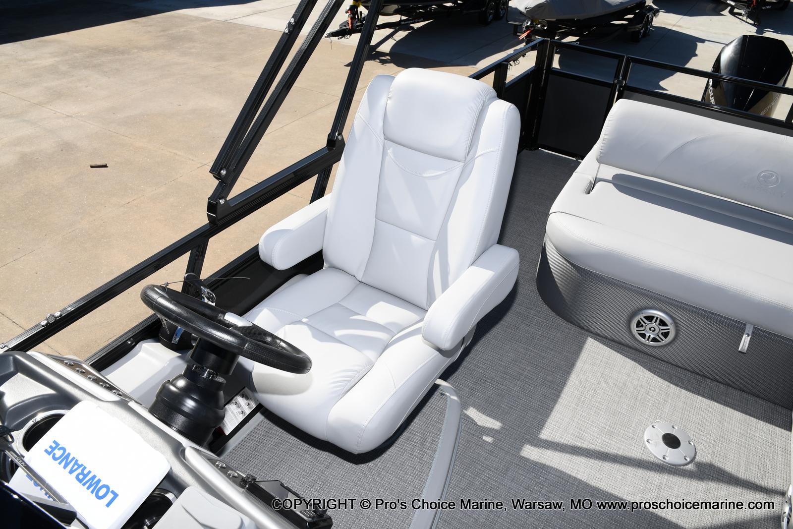 2021 Regency boat for sale, model of the boat is 250 DL3 w/250HP MERCURY VERADO & Image # 13 of 50