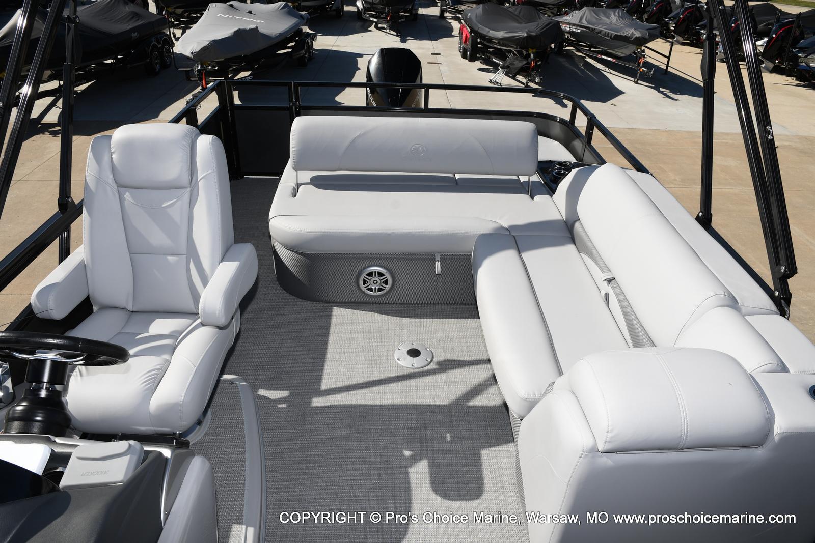 2021 Regency boat for sale, model of the boat is 250 DL3 w/250HP MERCURY VERADO & Image # 16 of 50