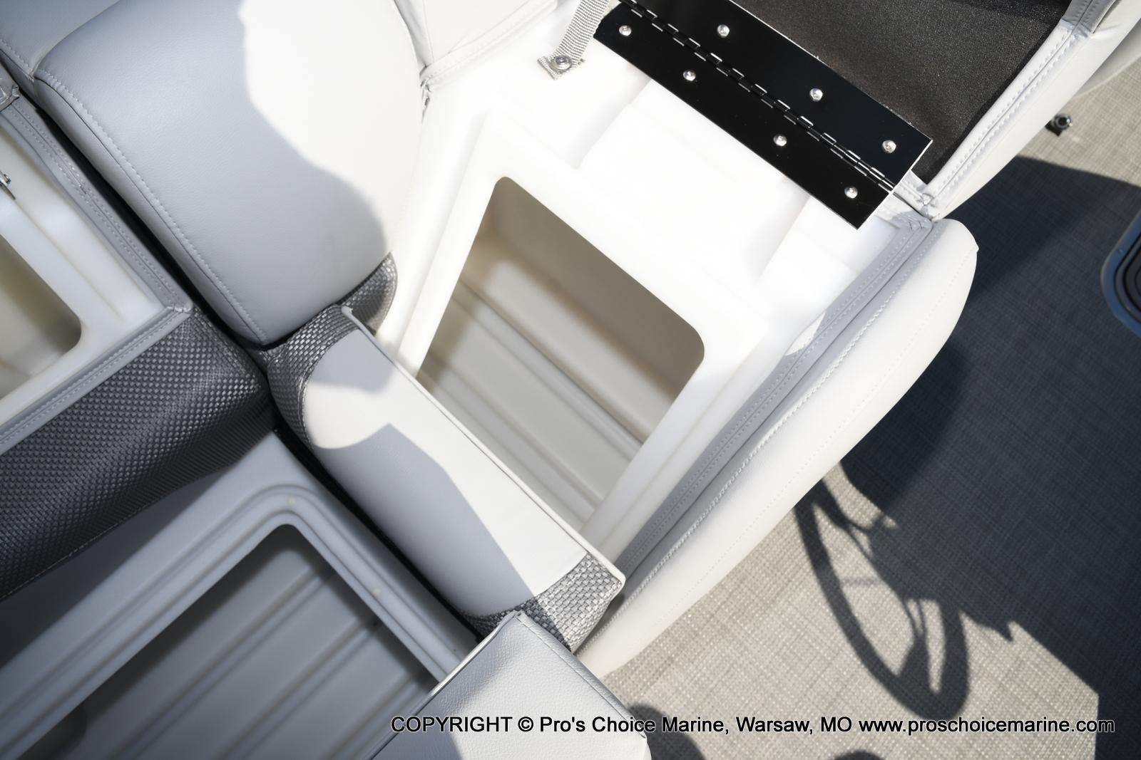 2021 Regency boat for sale, model of the boat is 250 DL3 w/250HP MERCURY VERADO & Image # 22 of 50