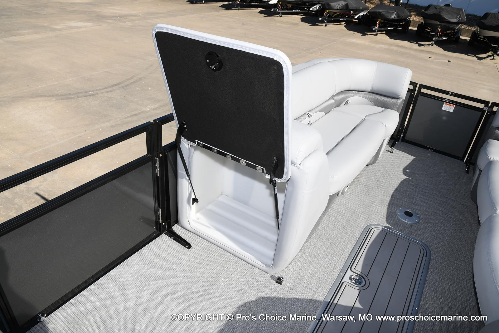 2021 Regency boat for sale, model of the boat is 250 DL3 w/250HP MERCURY VERADO & Image # 23 of 50