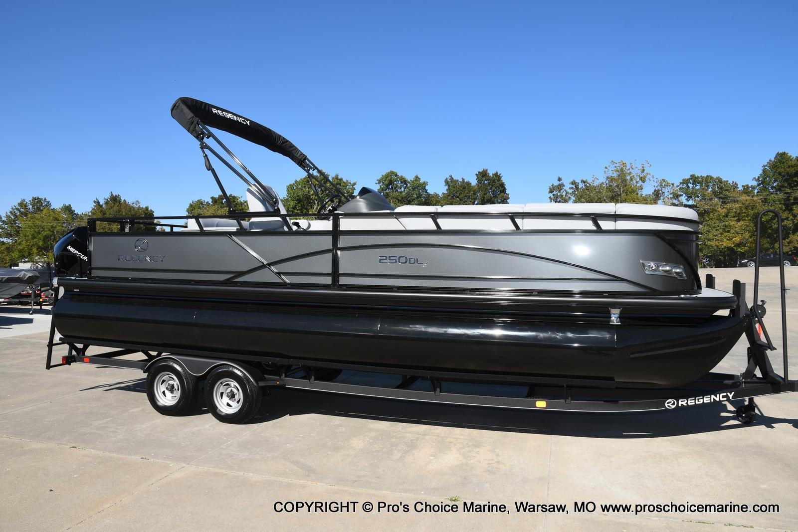 2021 Regency boat for sale, model of the boat is 250 DL3 w/250HP MERCURY VERADO & Image # 27 of 50