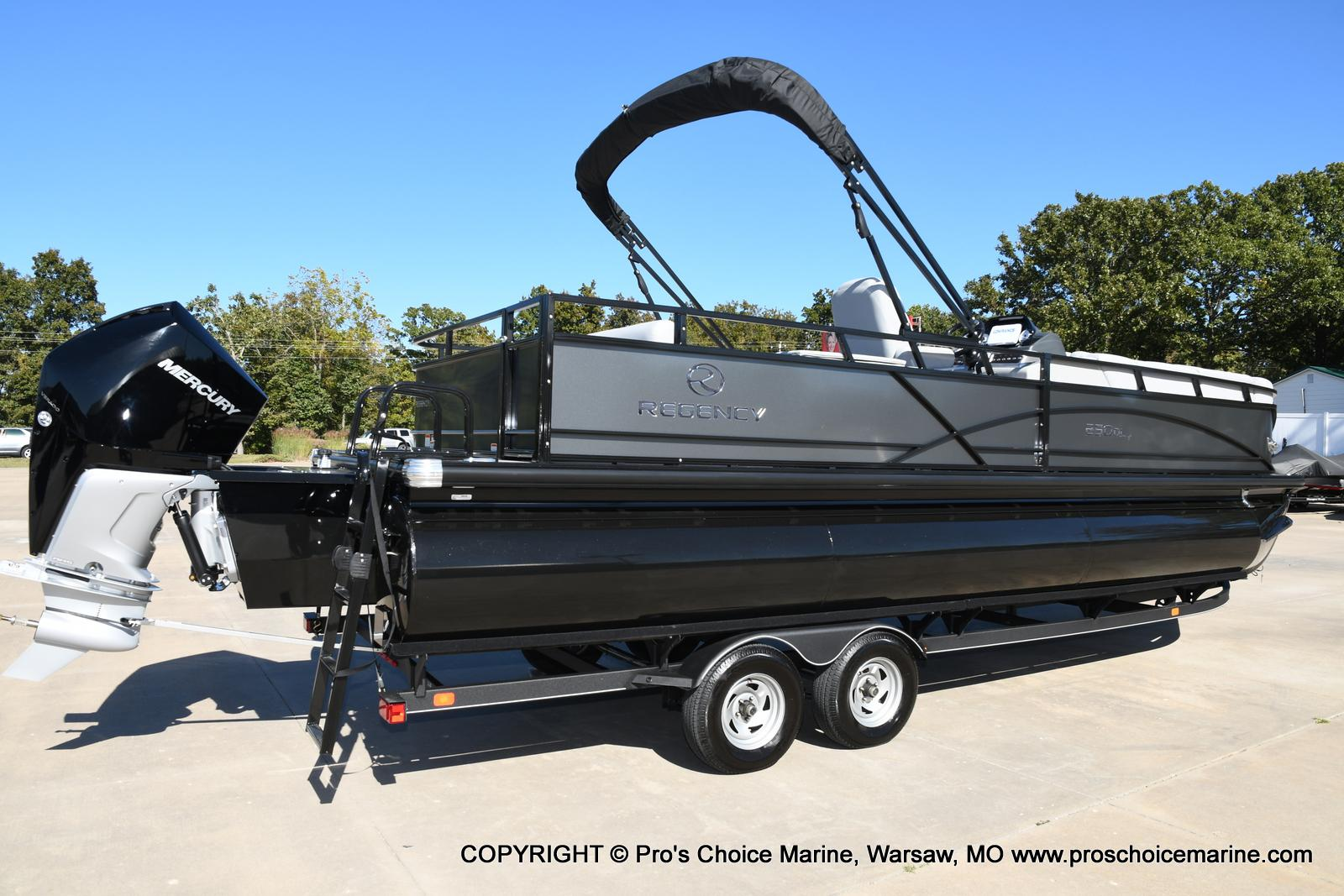 2021 Regency boat for sale, model of the boat is 250 DL3 w/250HP MERCURY VERADO & Image # 28 of 50