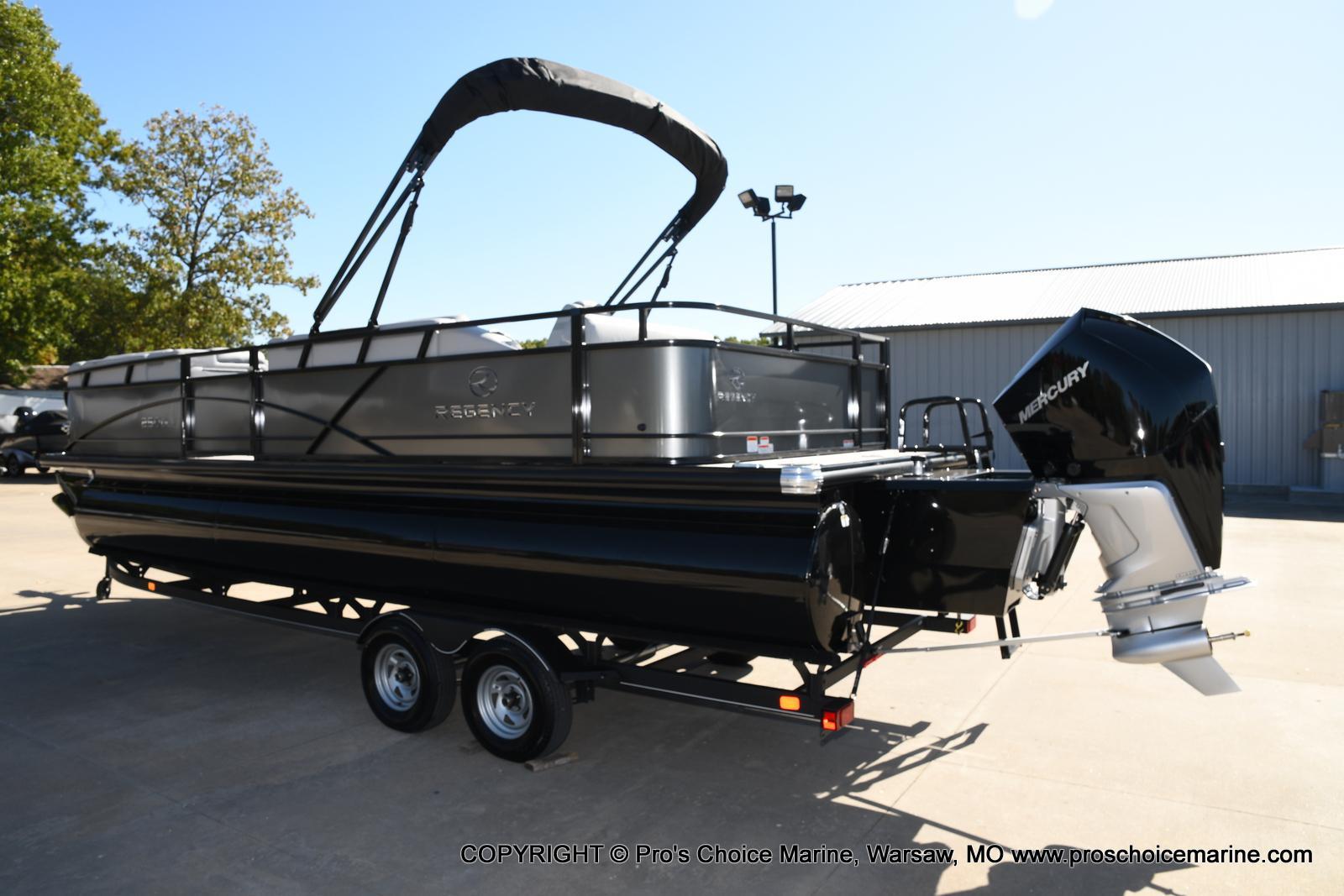 2021 Regency boat for sale, model of the boat is 250 DL3 w/250HP MERCURY VERADO & Image # 29 of 50