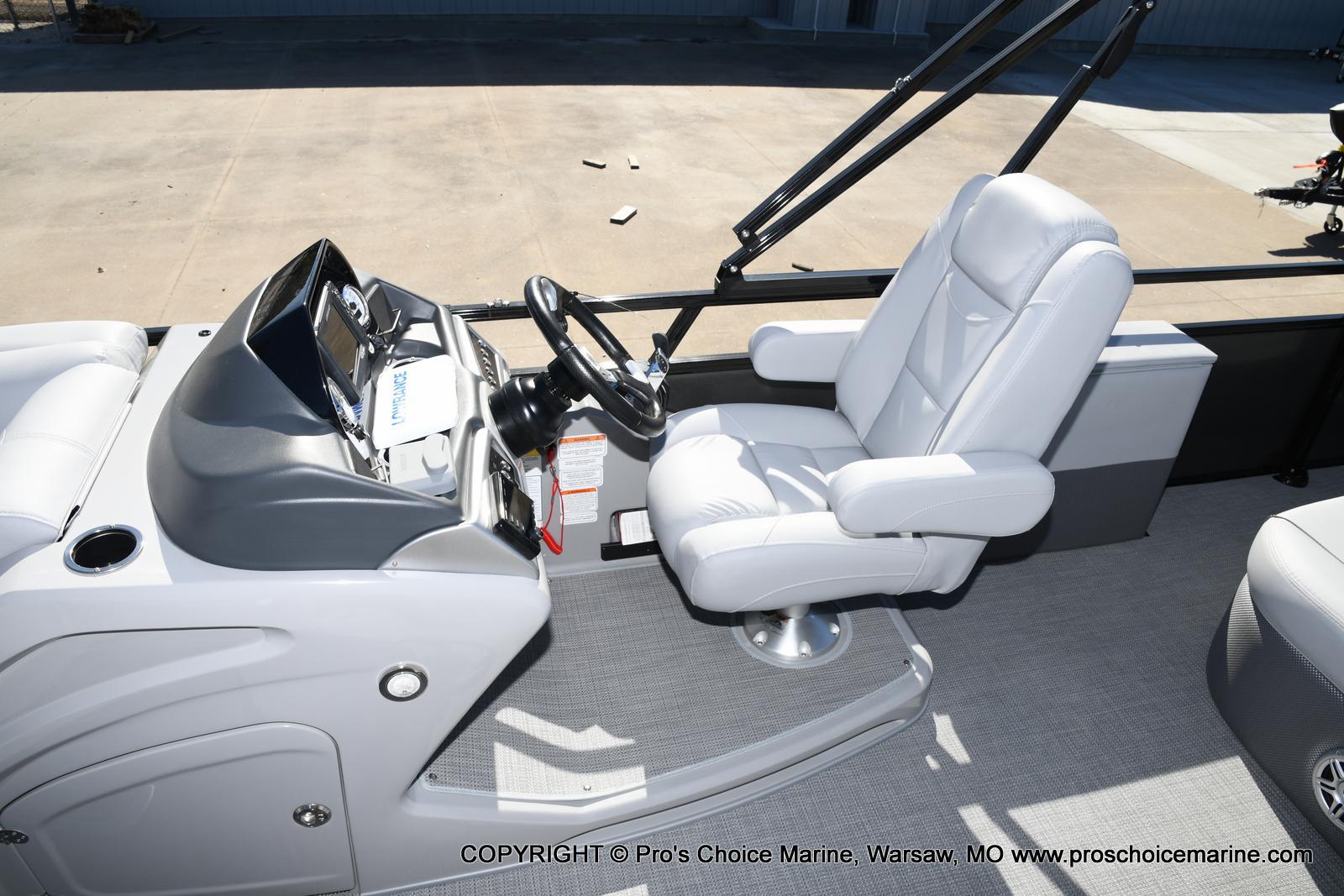 2021 Regency boat for sale, model of the boat is 250 DL3 w/250HP MERCURY VERADO & Image # 36 of 50