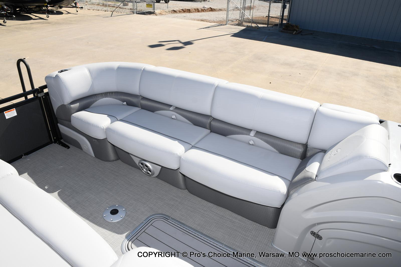 2021 Regency boat for sale, model of the boat is 250 DL3 w/250HP MERCURY VERADO & Image # 41 of 50