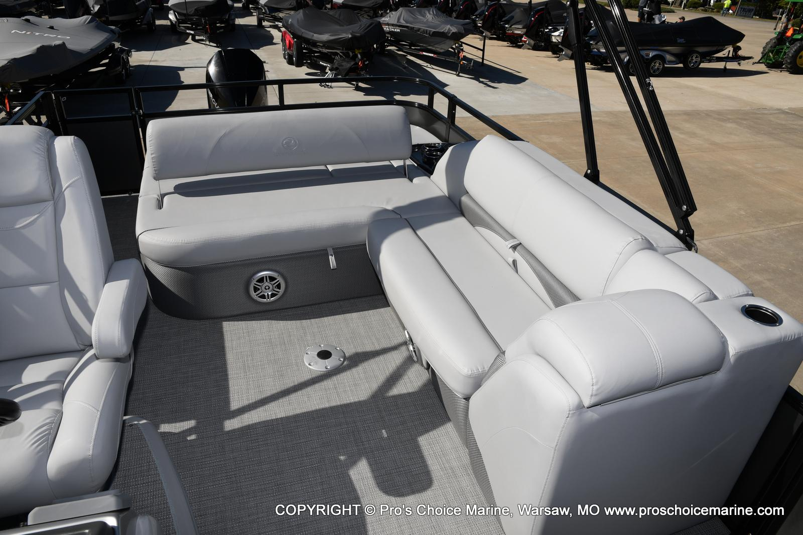 2021 Regency boat for sale, model of the boat is 250 DL3 w/250HP MERCURY VERADO & Image # 44 of 50