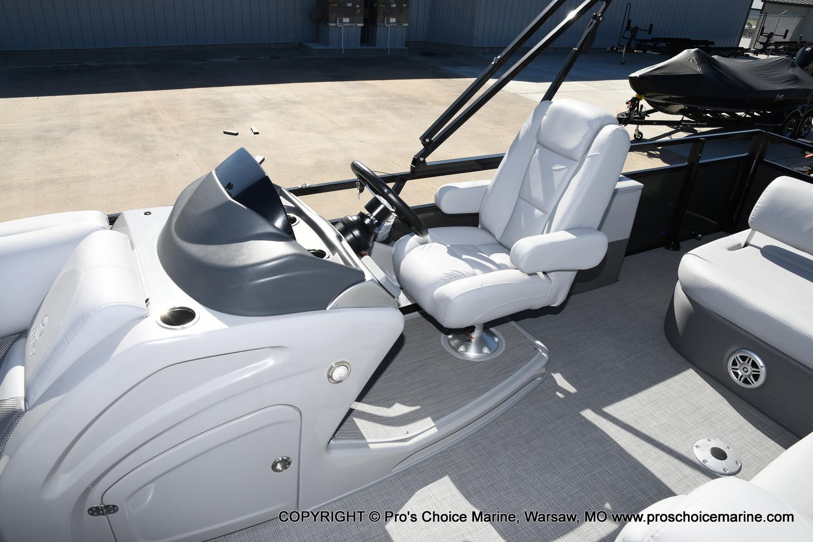 2021 Regency boat for sale, model of the boat is 250 DL3 w/250HP MERCURY VERADO & Image # 45 of 50