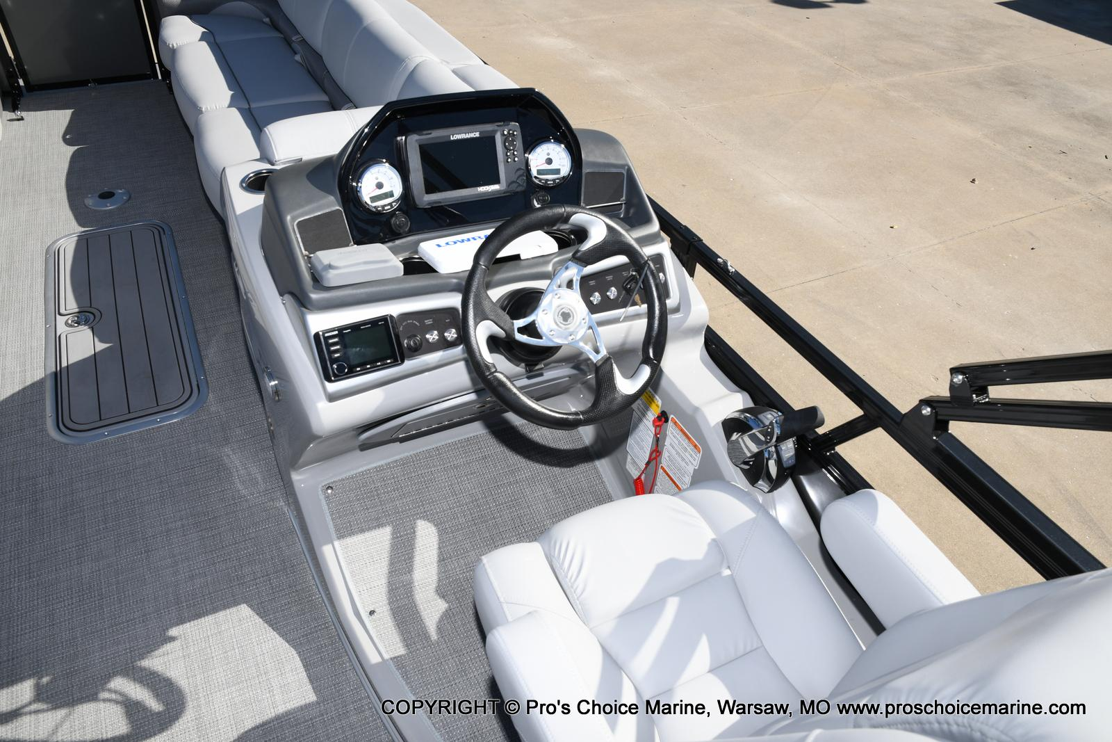 2021 Regency boat for sale, model of the boat is 250 DL3 w/250HP MERCURY VERADO & Image # 46 of 50