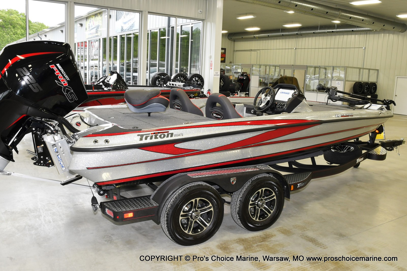 2021 Triton boat for sale, model of the boat is 19 TRX PATRIOT w/225HP PRO-XS & Image # 17 of 23