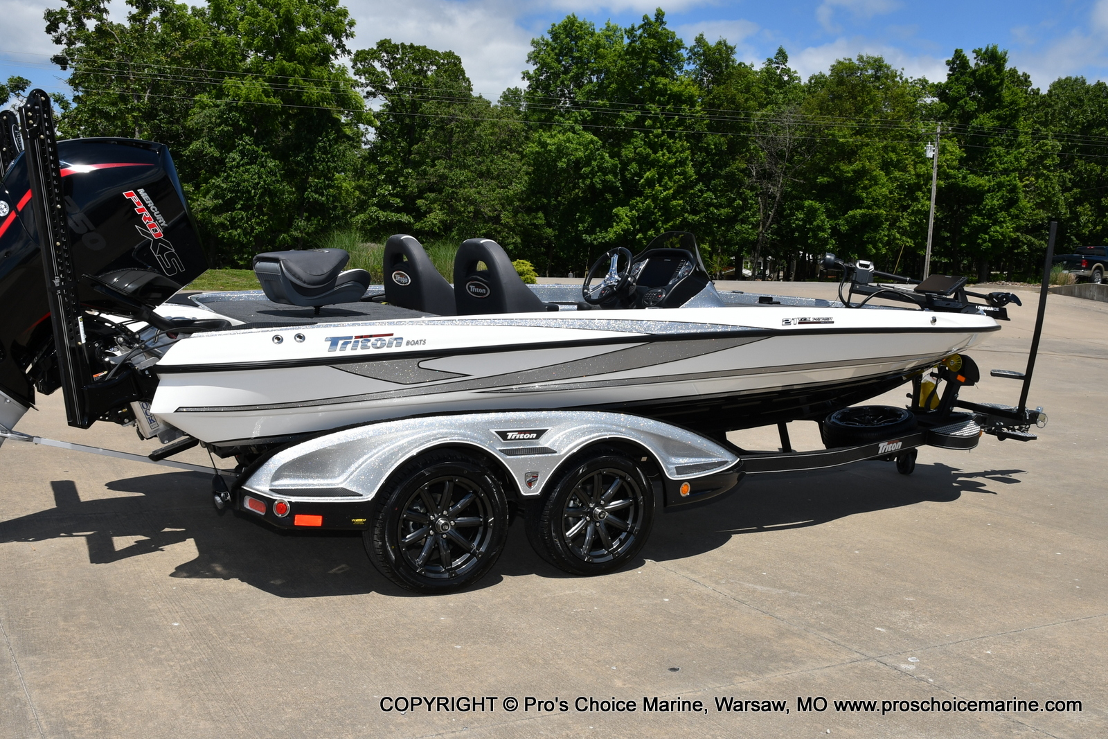 2021 Triton boat for sale, model of the boat is 21 TRX Patriot & Image # 29 of 50
