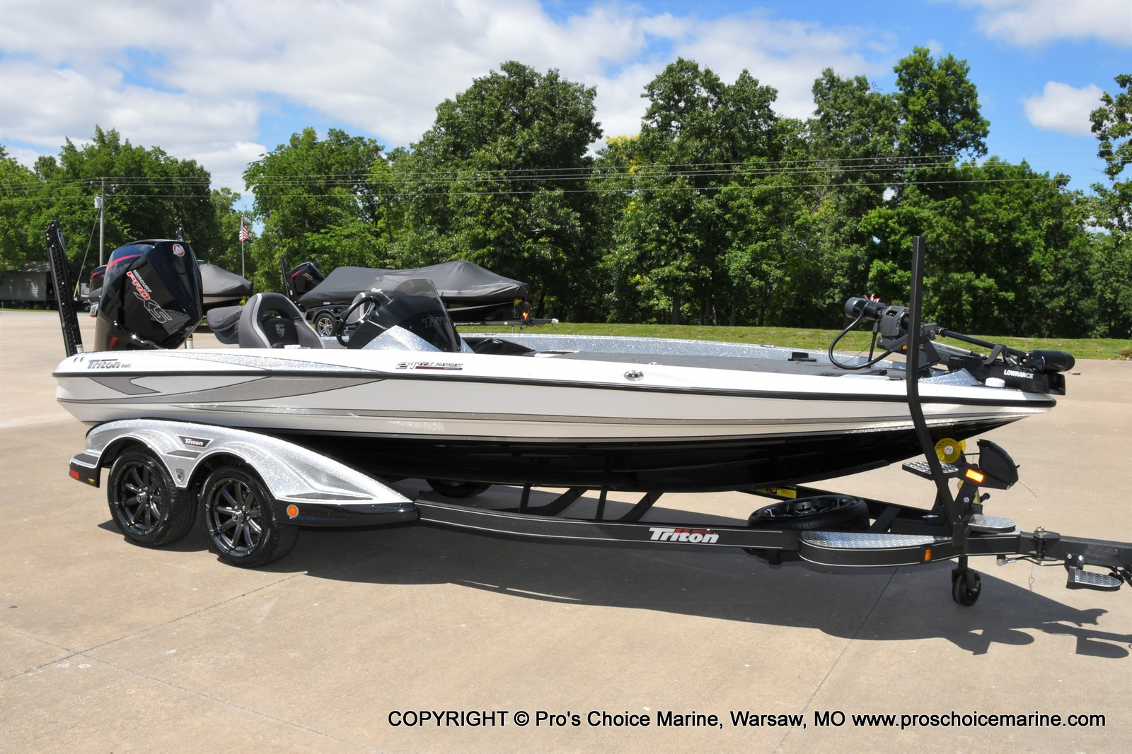 2021 Triton boat for sale, model of the boat is 21 TRX Patriot & Image # 1 of 50