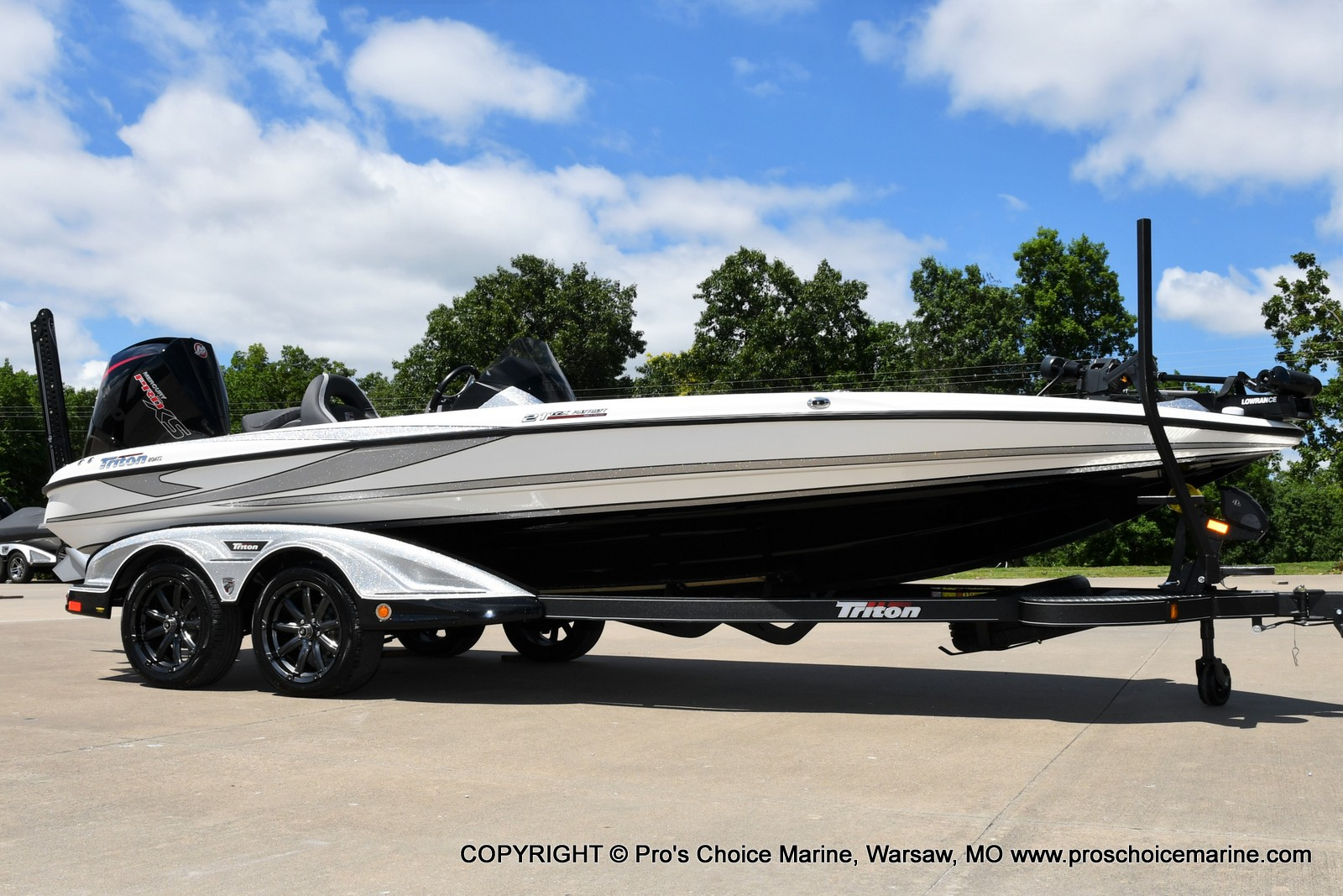 2021 Triton boat for sale, model of the boat is 21 TRX Patriot & Image # 13 of 50
