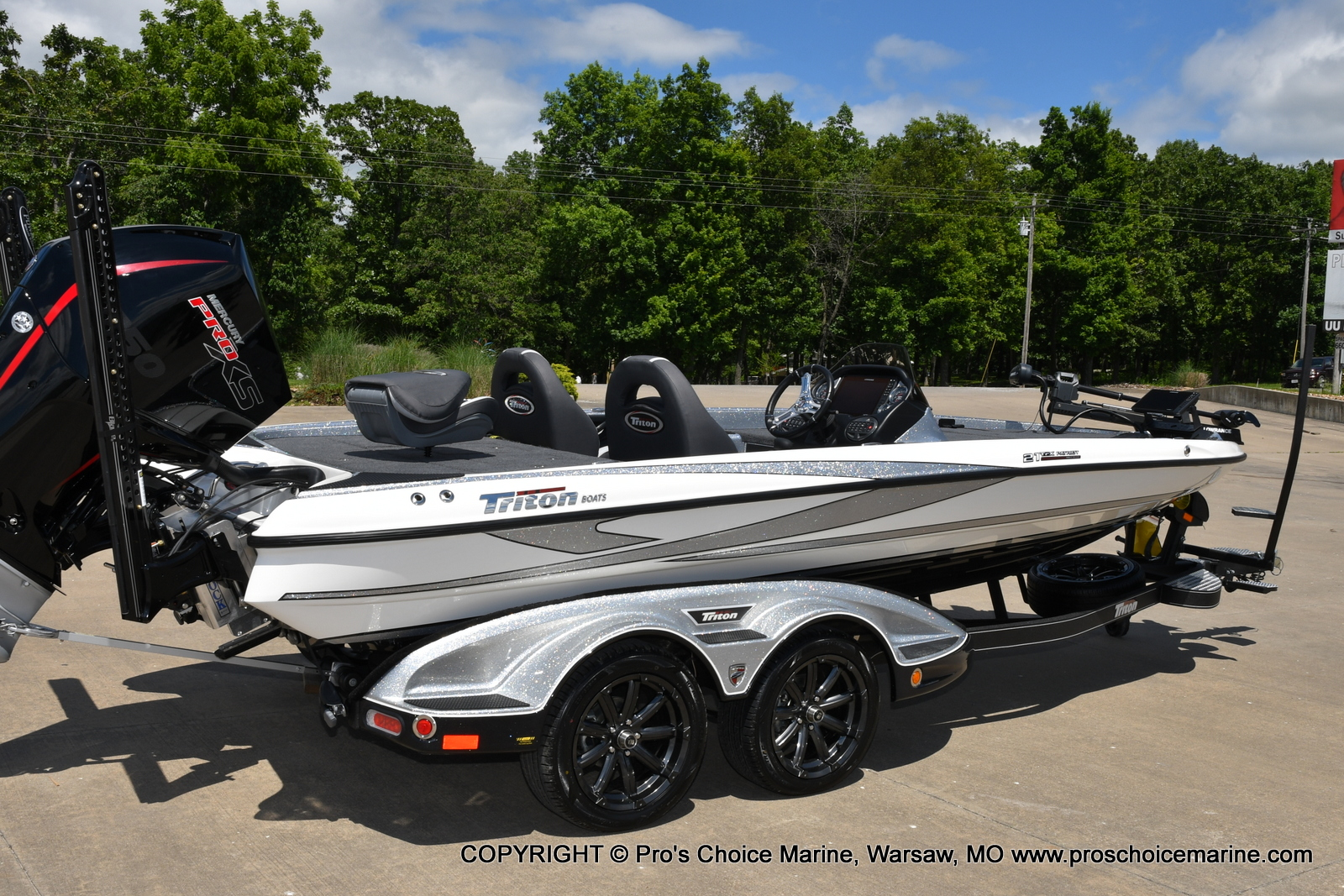 2021 Triton boat for sale, model of the boat is 21 TRX Patriot & Image # 14 of 50