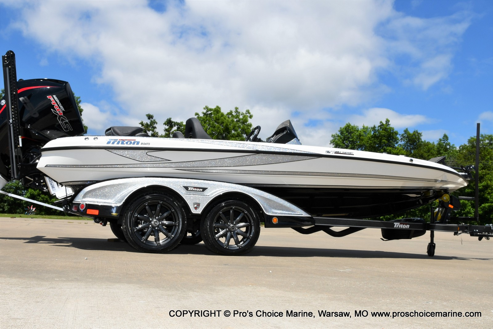 2021 Triton boat for sale, model of the boat is 21 TRX Patriot & Image # 15 of 50