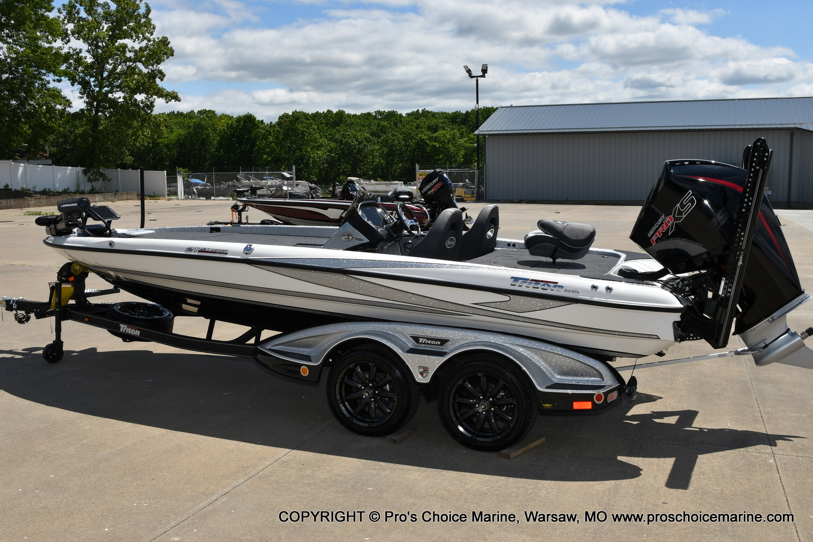 2021 Triton boat for sale, model of the boat is 21 TRX Patriot & Image # 16 of 50
