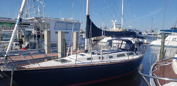 1987 SABRE Sailing Sloop