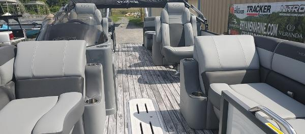 2021 Veranda boat for sale, model of the boat is VR22RC Deluxe Tri-Toon Package & Image # 8 of 34