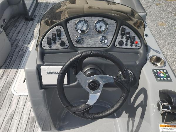 2021 Veranda boat for sale, model of the boat is VR22RC Deluxe Tri-Toon Package & Image # 13 of 34