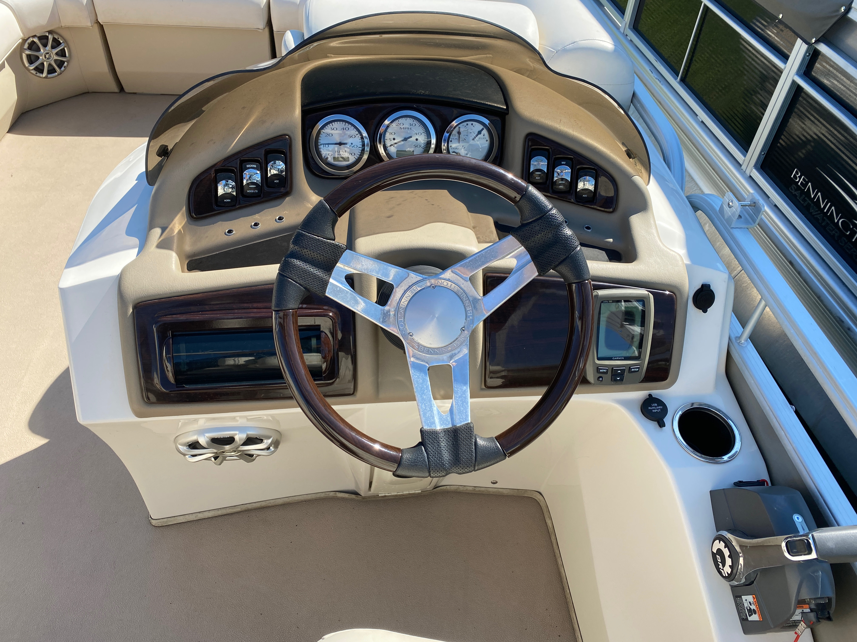2012 Bennington boat for sale, model of the boat is 2275 GCW Pontoon & Image # 9 of 11
