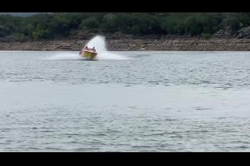 Fountain 38 Lightning video
