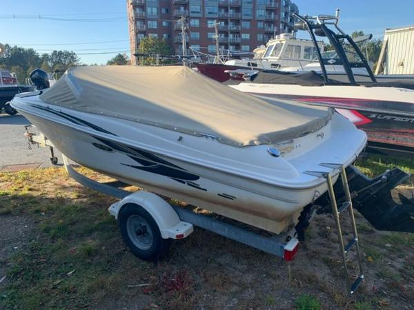 2000 Sea Ray boat for sale, model of the boat is 18' Bowrider & Image # 3 of 28
