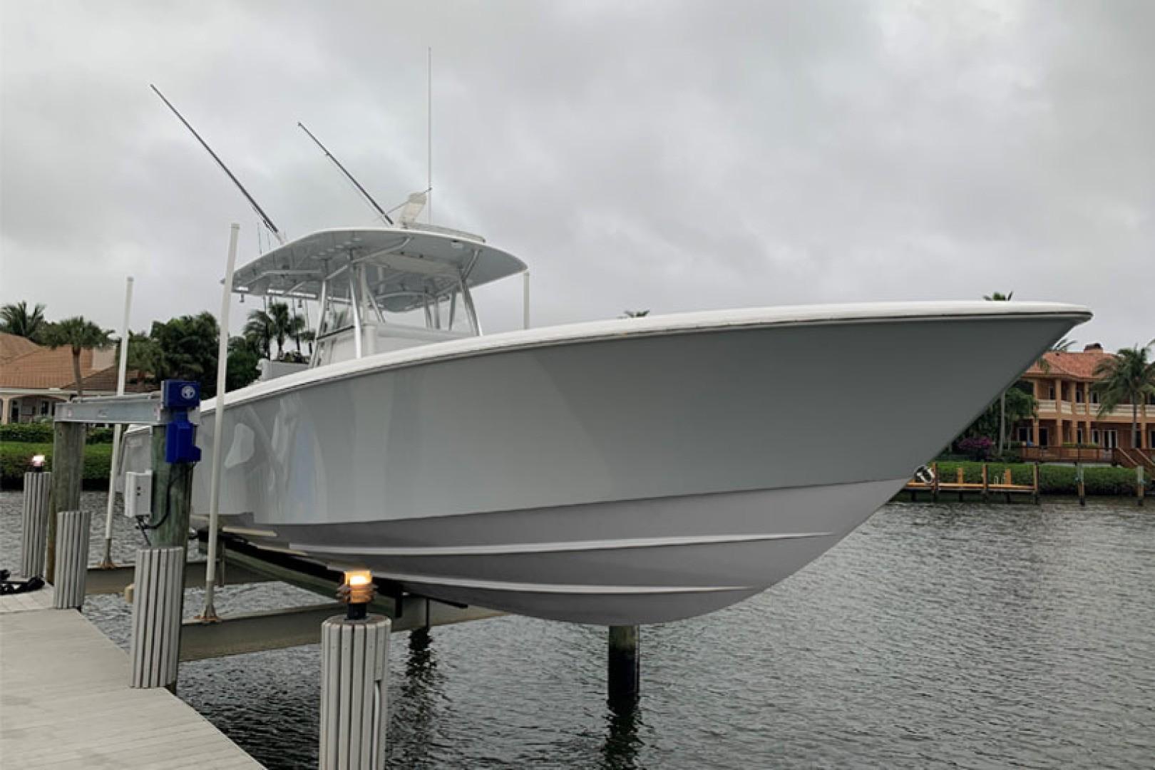 2017 Contender 39 ST