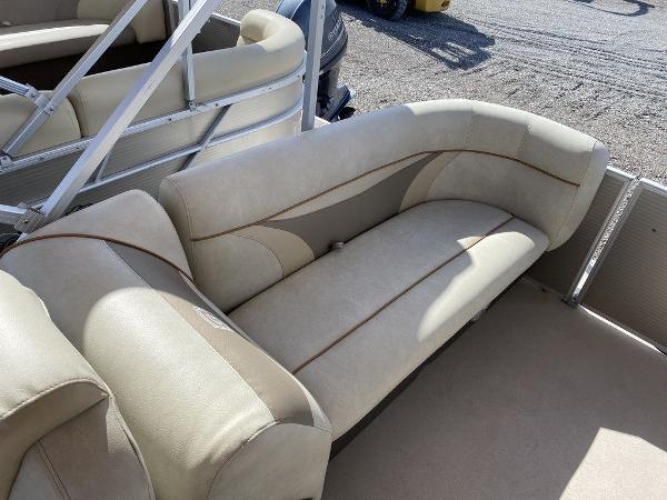 2017 Sweetwater boat for sale, model of the boat is SW 2286 C & Image # 3 of 10