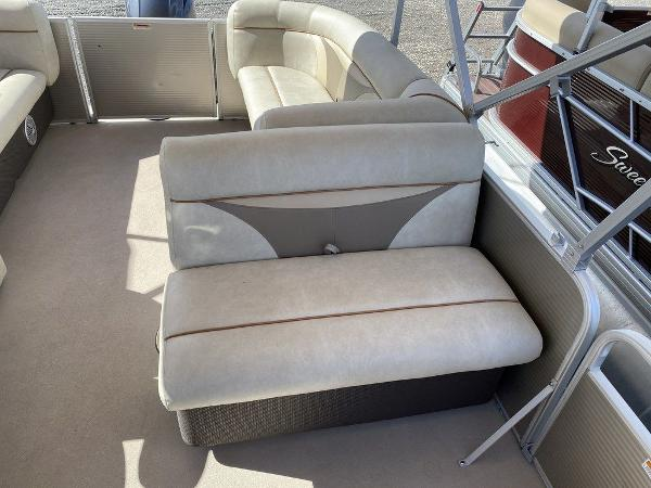2017 Sweetwater boat for sale, model of the boat is SW 2286 C & Image # 7 of 10