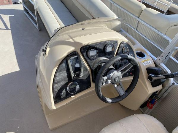 2017 Sweetwater boat for sale, model of the boat is SW 2286 C & Image # 8 of 10