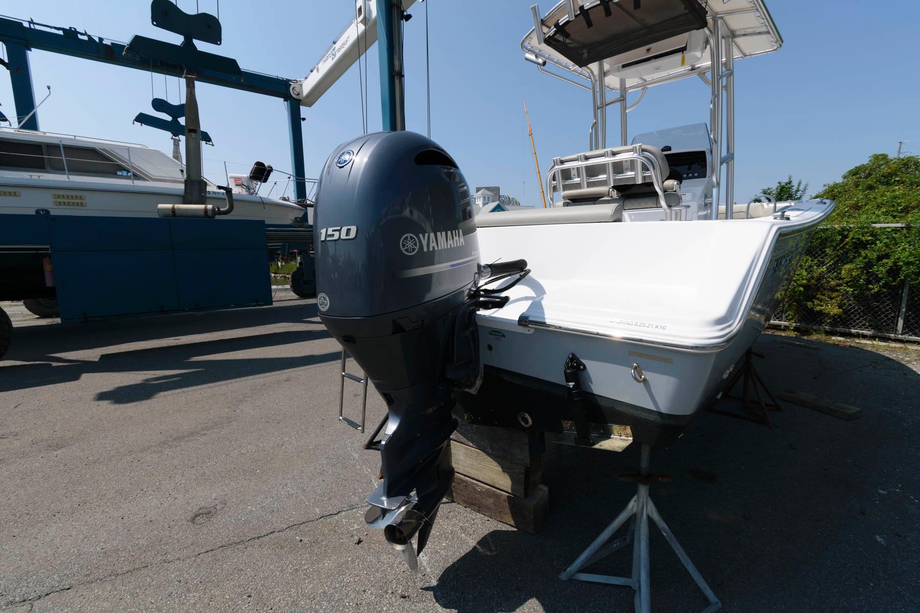 M 6395 WT Knot 10 Yacht Sales