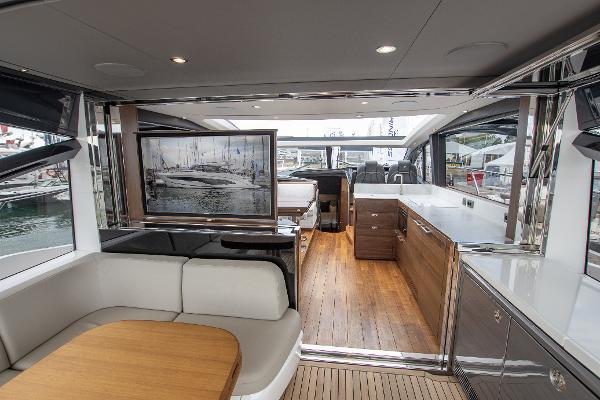 Princess Motor Yacht Sales - Used Princess V55