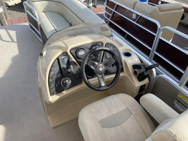 2017 Sweetwater boat for sale, model of the boat is SW 2286 C & Image # 7 of 9