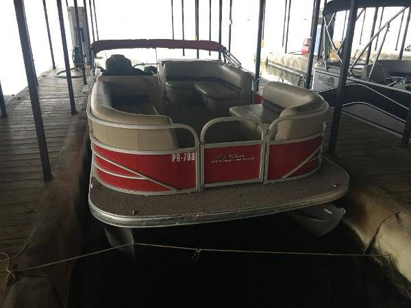 2017 Sun Tracker boat for sale, model of the boat is Party Barge 20 DLX & Image # 2 of 7