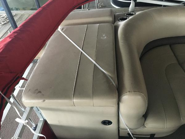 2017 Sun Tracker boat for sale, model of the boat is Party Barge 20 DLX & Image # 5 of 7