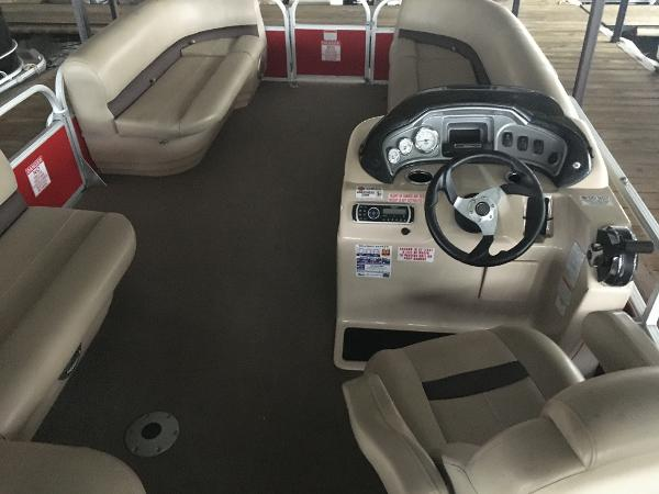 2017 Sun Tracker boat for sale, model of the boat is Party Barge 20 DLX & Image # 6 of 7