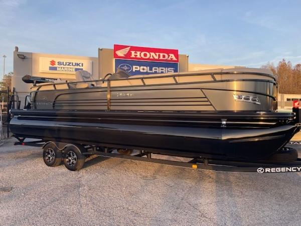 2021 Regency boat for sale, model of the boat is 250LE3 & Image # 1 of 15