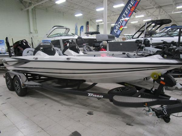 2020 Triton boat for sale, model of the boat is 21 TRX & Image # 1 of 30