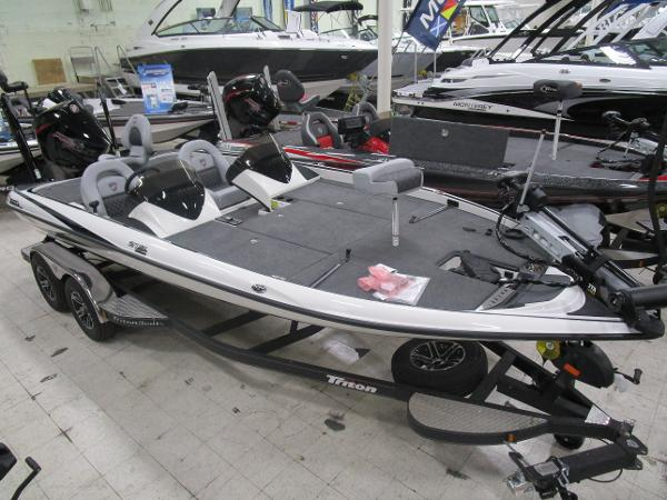 2020 Triton boat for sale, model of the boat is 21 TRX & Image # 2 of 30