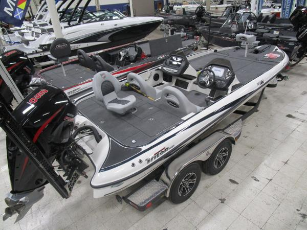 2020 Triton boat for sale, model of the boat is 21 TRX & Image # 4 of 30