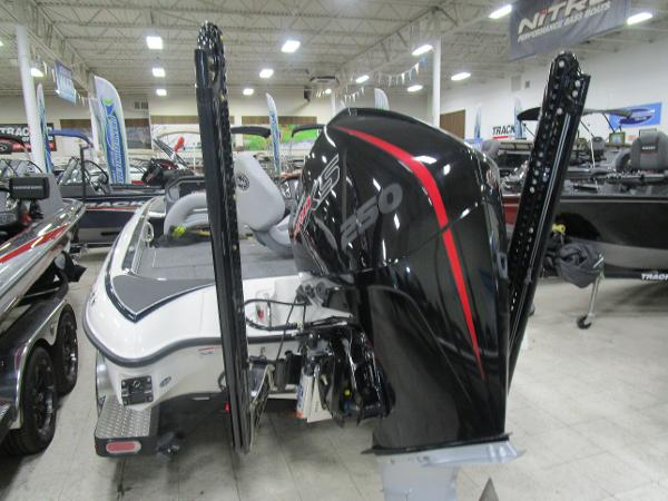 2020 Triton boat for sale, model of the boat is 21 TRX & Image # 7 of 30